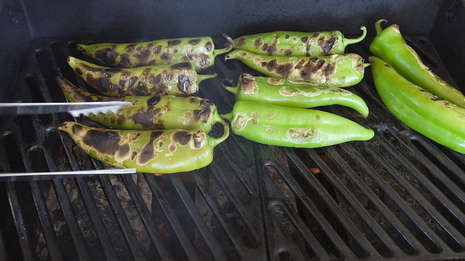 roasting hatch chile peppers